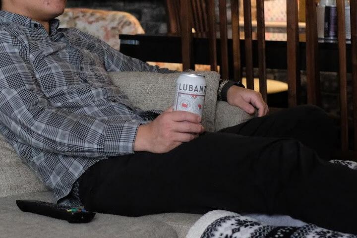 ひとりでゆっくり落ち着きたい時に楽しむ缶ワイン